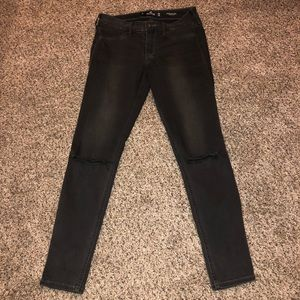 Hollister Women's Distressed Jeggings